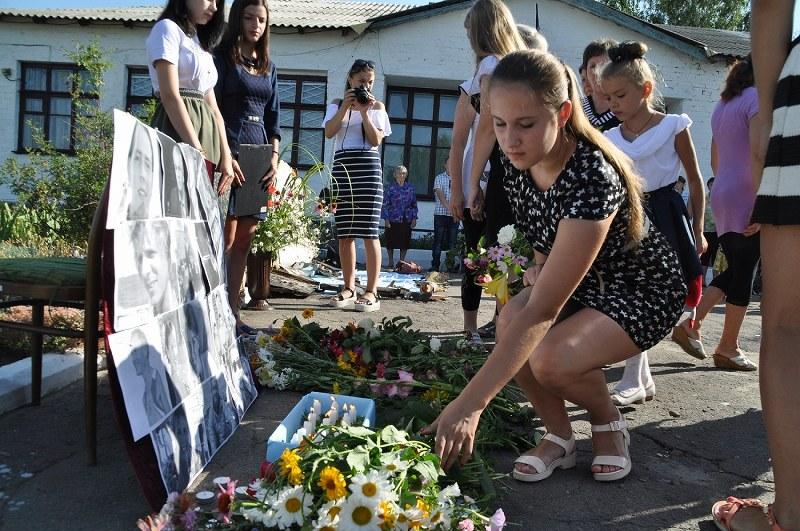 ウクライナ住民が慰霊…ドネツク州アクセスランキング編集部のオススメ記事