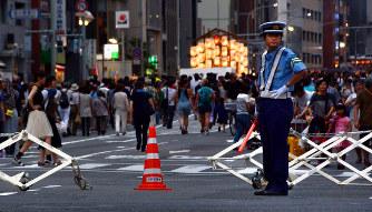 祇園祭:テロ警戒で京都府警が警...