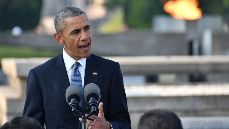 広島市の平和記念公園で演説するオバマ米大統領=2016年5月27日撮影