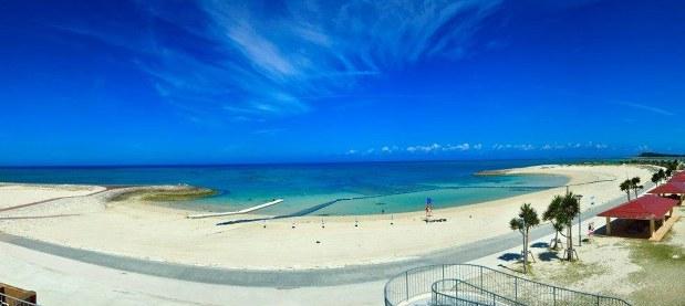豊崎タウンの海岸部にある美らSUNビーチ