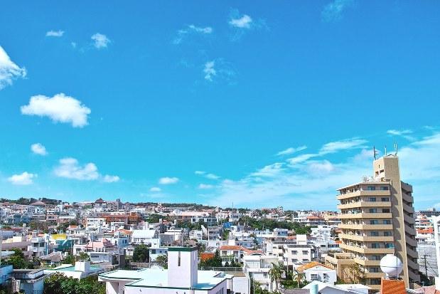 沖縄の夏空
