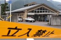 事件のあった津久井やまゆり園=相模原市緑区で2016年7月26日午前6時52分、徳野仁子撮影