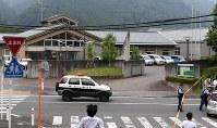 事件のあった津久井やまゆり園=相模原市緑区で2016年7月26日午前6時42分、徳野仁子撮影