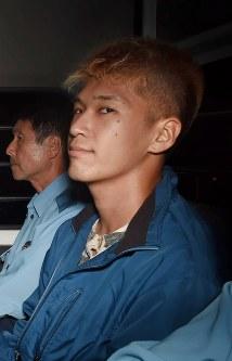 横浜地裁を出る植松聖容疑者=横浜市で2016年7月27日午後5時11分、竹内紀臣撮影