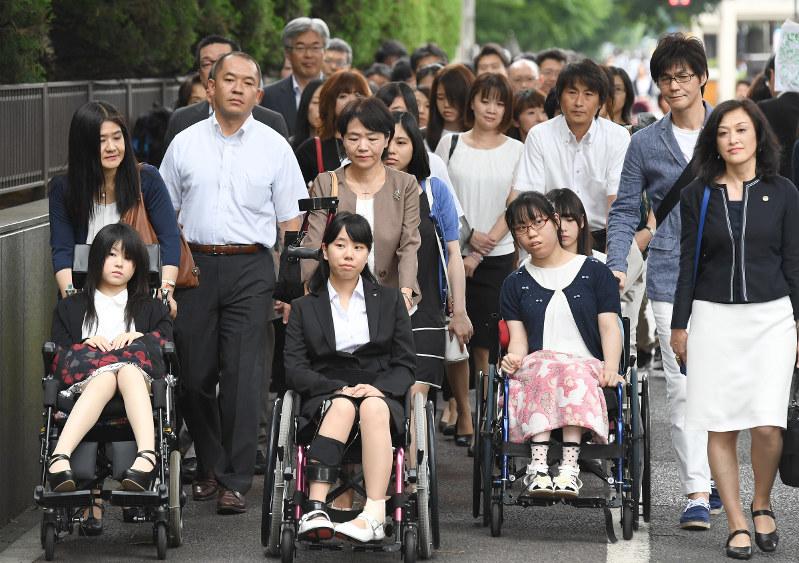宮頸 ん 副作用 ワクチン が 症状 子 子宮頸がんワクチン被害問題は、メディアなどが作り出した日本だけの問題[橘玲の日々刻々]|橘玲の日々刻々