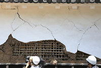A damaged part of Kumamoto Castle, opened to the press, is seen in Kumamoto on July 28, 2016. (Mainichi)