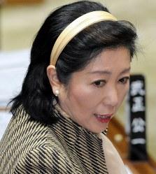 野党として野田佳彦首相に質問する小池百合子氏=国会内で2012年2月1日、藤井太郎撮影