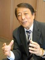 たばこと塩の博物館の田中泰行館長