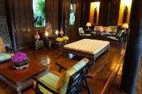 「ジム・トンプソンの家」の居間=岩佐淳士撮影