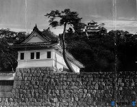 丸亀市・丸亀城の天守閣と櫓(亀山公園)=1950年10月撮影