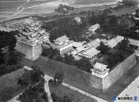名古屋城=名古屋市で1933(昭和8)年10月1日毎日新聞社機から撮影
