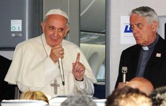 ローマ法王:イスラム教徒を擁護...