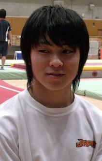 日本協会ナショナル強化指定選手となった内村航平(東洋高)=2007年1月8日、小坂大撮影
