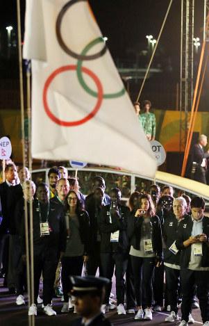 リオ五輪:難民選手団入村式 IOC...