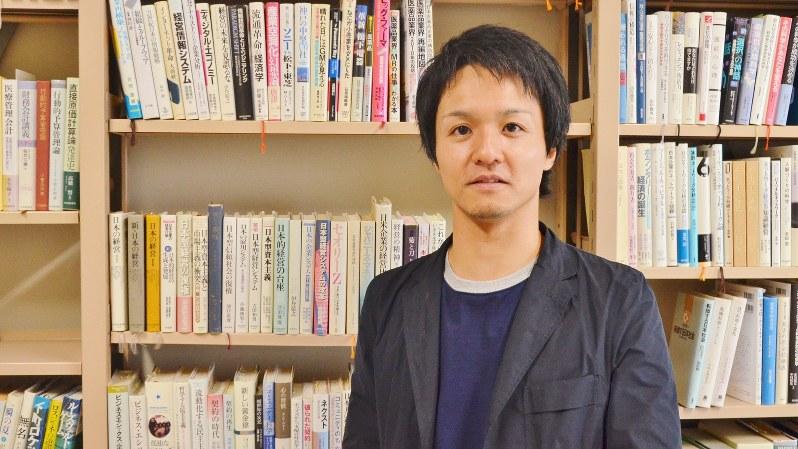横浜国立大学大学院の服部泰宏准教授