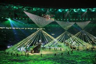A performance themed on indigenous people and the discovery of the new continent is seen during the opening ceremony of the 2016 Olympics at Maracana Stadium in Rio De Janeiro on Aug. 5, 2016. (Mainichi)