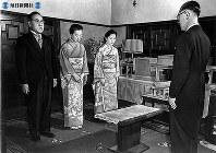 美智子さまのご実家、正田家で結納「納采の儀」=1959年(昭和34年)1月14日撮影