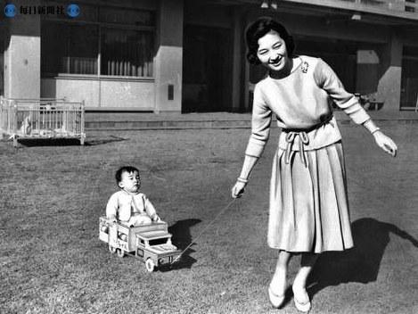 写真特集:天皇、皇后両陛下ご結婚50年 これまでの歩み(2009年 ...