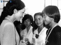 インドネシアの子供使節団と会見する美智子さま=1981年(昭和56年)年9月24日撮影