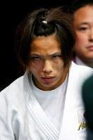 ロンドン五輪で闘争心を前面に出し、柔道女子57キロ級準決勝に臨む松本薫選手=ロンドンのエクセルで2012年7月30日、森田剛史撮影