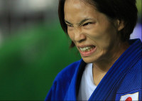 Kaori Matsumoto heads into her semifinal bout in the women's 57-kilogram judo at the Rio Summer Olympics, at Carioca Arena in Rio de Janeiro on Aug. 8, 2016. (Mainichi)