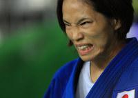 柔道女子57キロ級準決勝に臨む松本薫=リオデジャネイロのカリオカアリーナで2016年8月8日、梅村直承撮影