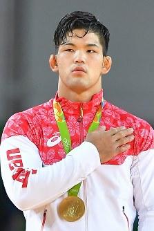 柔道男子73キロ級で優勝し、金メダルを獲得した大野将平=リオデジャネイロのカリオカアリーナで2016年8月8日、和田大典撮影