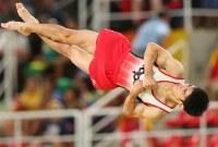 白井健三の床運動の演技=リオデジャネイロのリオ五輪アリーナで2016年8月8日、小川昌宏撮影