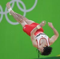 Kohei Uchimura performs his floor exercise at the men's gymnastics all-around finals in the Rio Olympics, on Aug. 10. 2016. (Mainichi Photo/Daisuke Wada)