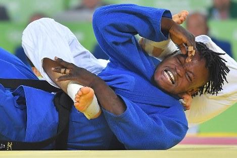 難民選手団の一員で柔道男子90キロ級に出場し、3回戦で敗れたコンゴ民主共和国のポポル・ミセンガ=リオデジャネイロのカリオカアリーナで2016年8月10日、和田大典撮影