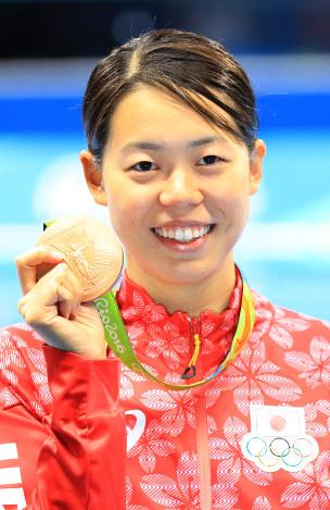 五輪競泳:星が銅メダル 女子200...