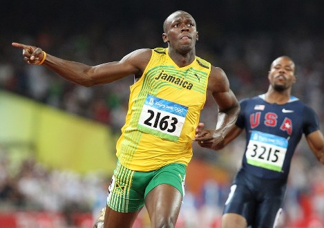 北京五輪の陸上男子百メートル決勝、9秒69の世界新で優勝したウサイン・ボルト=北京市の国家体育場で2008年8月16日、梅村直承撮影