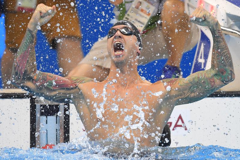 五輪競泳:あきらめなかった男、アービン 16年ぶり金 | 毎日新聞