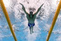 リオ五輪競泳男子200メートルバタフライで力泳するマイケル・フェルプス=ゲッティ