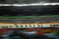 リオ五輪自転車競技男子スクラッチレースの一場面=ゲッティ