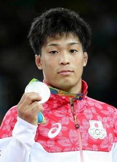 レスリングの男子グレコローマン59キロ級で2位となり、銀メダルを獲得した太田忍=2016年8月14日