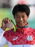 カヌーの男子スラローム・カナディアンシングルで銅メダル獲得した羽根田卓也=2016年8月9日、三浦博之撮影
