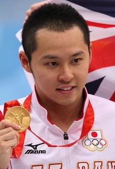競泳男子100、200メートル平泳ぎ2連覇、北島康介=梅村直承撮影