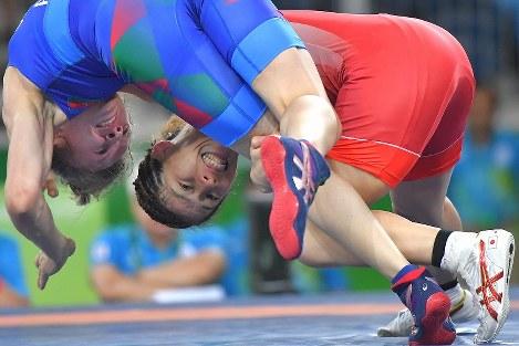 【レスリング】女子53㌔級2回戦に勝利した吉田沙保里=リオデジャネイロのカリオカアリーナで2016年8月18日、和田大典撮影