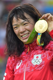 レスリング女子63キロ級決勝で優勝した川井梨紗子=リオデジャネイロのカリオカアリーナで2016年8月18日、和田大典撮影