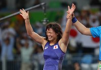 レスリング女子63キロ級決勝で優勝し、喜ぶ川井梨紗子=リオデジャネイロのカリオカアリーナで2016年8月18日、小川昌宏撮影