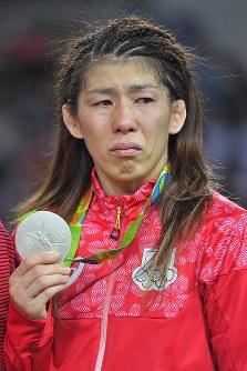 レスリング女子53キロ級決勝で2位となり五輪4連覇を逃した吉田沙保里=リオデジャネイロのカリオカアリーナで2016年8月18日、和田大典撮影