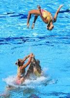 チーム・フリールーティン、銅メダルを獲得した日本のジャンプ技=リオデジャネイロのマリア・レンク水泳センターで2016年8月19日、梅村直承撮影