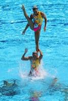 銅メダルを獲得した日本のフリールーティンの演技=リオデジャネイロのマリア・レンク水泳センターで2016年8月19日、小川昌宏撮影