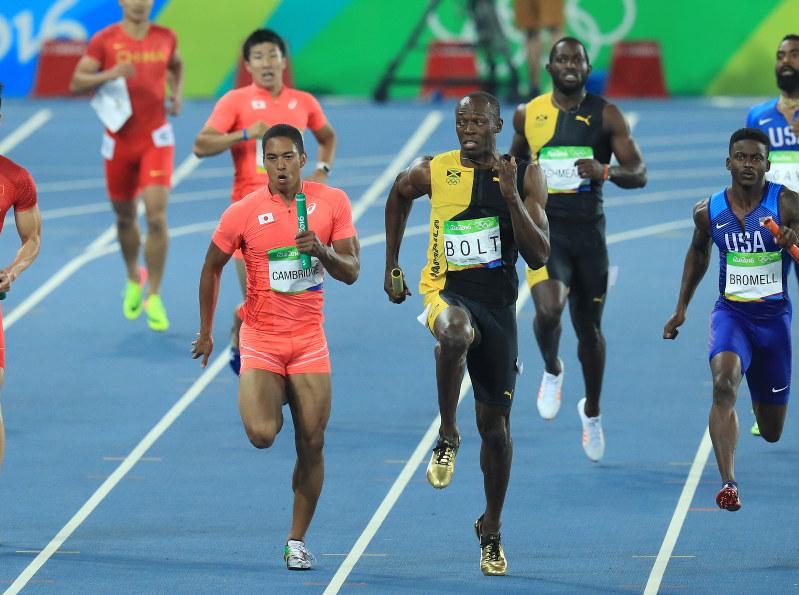 五輪陸上:男子400メートルリレー 日本が銀メダル - 毎日新聞