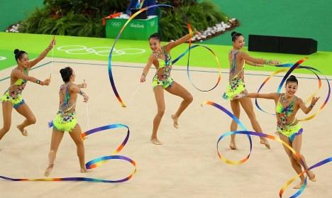 決勝での日本のリボンの演技=リオデジャネイロのリオ五輪アリーナで2016年8月21日、小川昌宏撮影