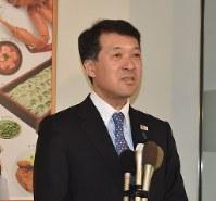 Gov. Hirohiko Izumida (Mainichi)