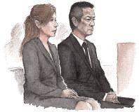 証人尋問などに耳を傾ける高知被告(右)と五十川被告=イラスト・こはまゆうや