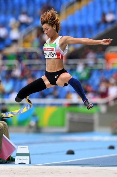 【リオデジャネイロ・パラリンピック】女子走り幅跳びT44で、4位になった中西麻耶=リオデジャネイロの五輪スタジアムで2016年9月9日、徳野仁子撮影