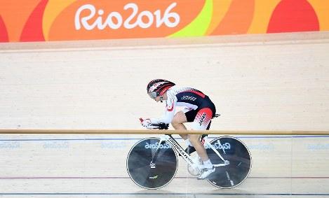 【リオデジャネイロ・パラリンピック】自転車男子1000メートルタイムトライアルで、6位に入った石井雅史=リオデジャネイロのベロドロームで2016年9月9日、徳野仁子撮影